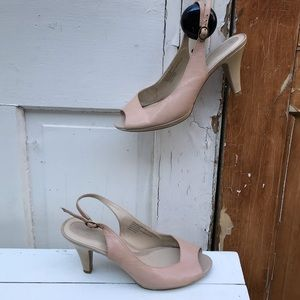 Naturalizer beige peep toe leather heels Size 9